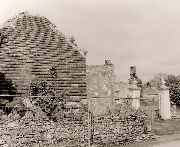 LLAWHADEN HOUSE, Llawhaden, Pembrokeshire 2011 - PEMBROKESHIRE