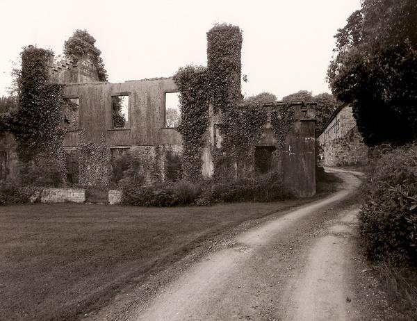 PLAS CRWN, Llandewi Velvrey, Pembrokeshire 2010 - PEMBROKESHIRE