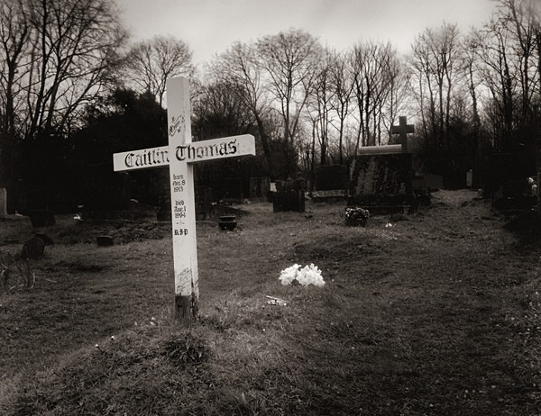 Thomas Dylan - Caitlin, Llaugharne - POET'S GRAVES - BEDDAU'R BEIRDD