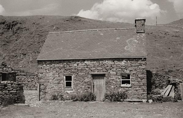 CLAERDDU COTTAGE, Teifi Pools, Ceredigion 1989 - CEREDIGION FARMHOUSES