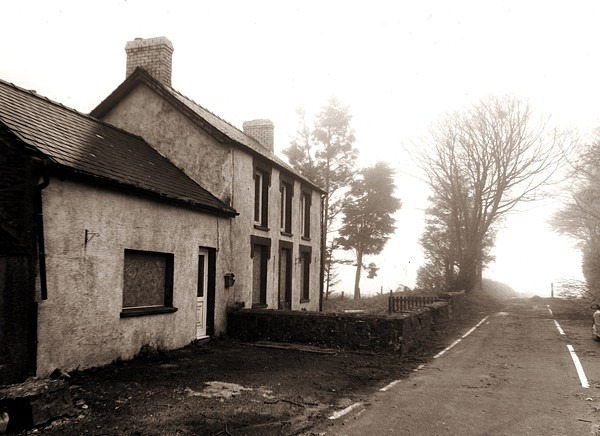 POST BACH, Synod Inn, Ceredigion 2014 - CEREDIGION FARMHOUSES