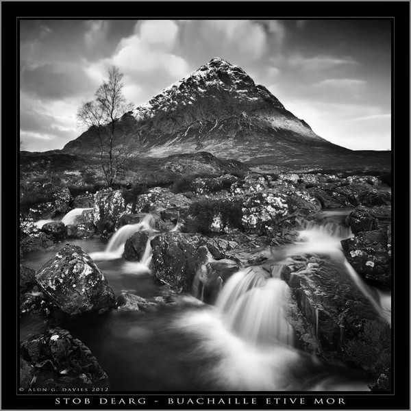 - Du a Gwyn / Black and White Images