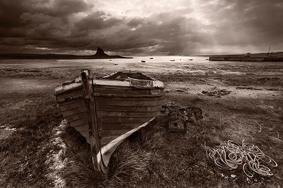 Lindisfarne - Du a Gwyn / Black and White Images