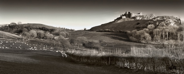 Castell Carreg Cennen  - Du a Gwyn / Black and White Images
