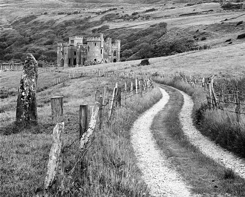 1259 - Clifden-Castle - The Road to Ruin - Images from Ireland