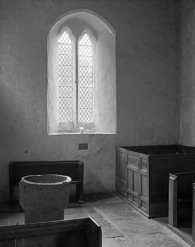 2152 - Hailes Church - Window  Font - The Cotswold Way