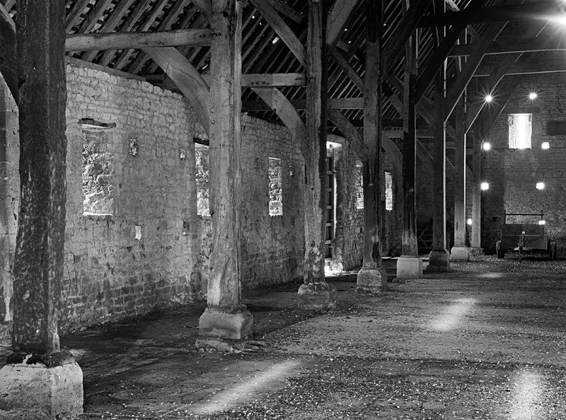 1381 - Inside Bredon Tithe Barn 1 - Barns & Buildings