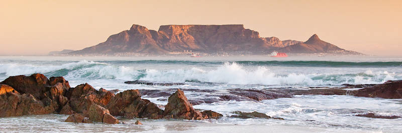 TABLE MOUNTAIN FROM BLOUBERGSTRAND ROCKS - Colour
