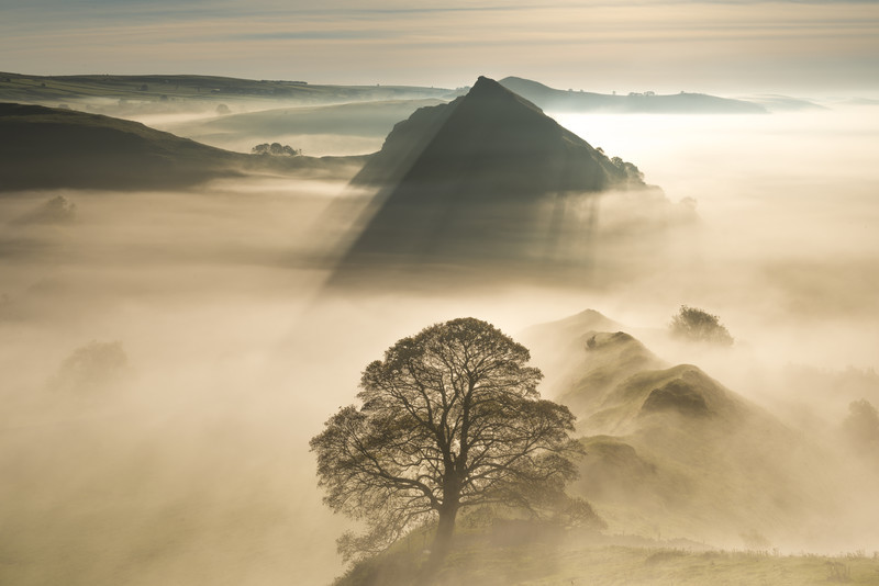Pyramid of the Derbyshire Peak District. - Peak District & surrounding area
