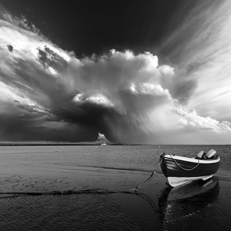 Lindisfarne rain shafts - Weather photography