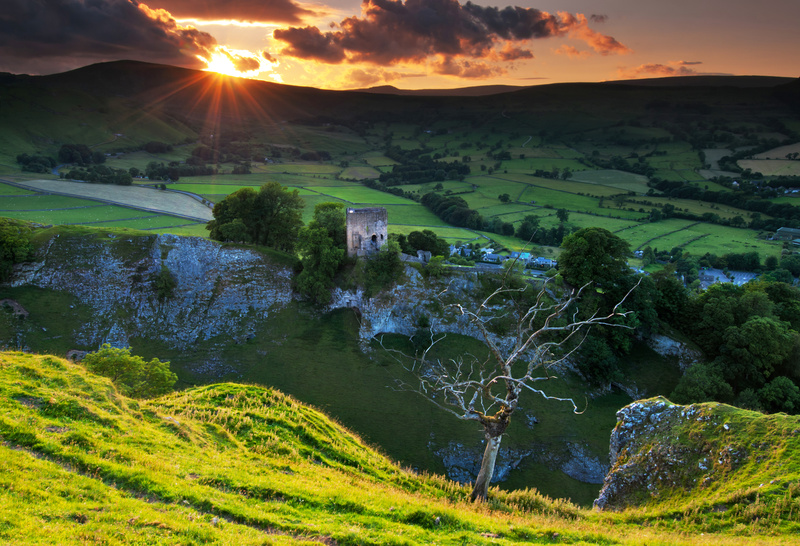 Peveril Castle, Castleton, Derbyshire - Peak District & surrounding area