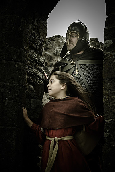 Saxon Eorl & Daughter - Historical Re-enactment