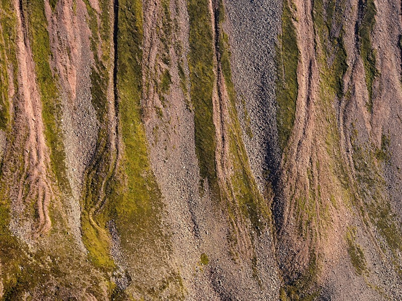 Lairig Ghru - Form and detail