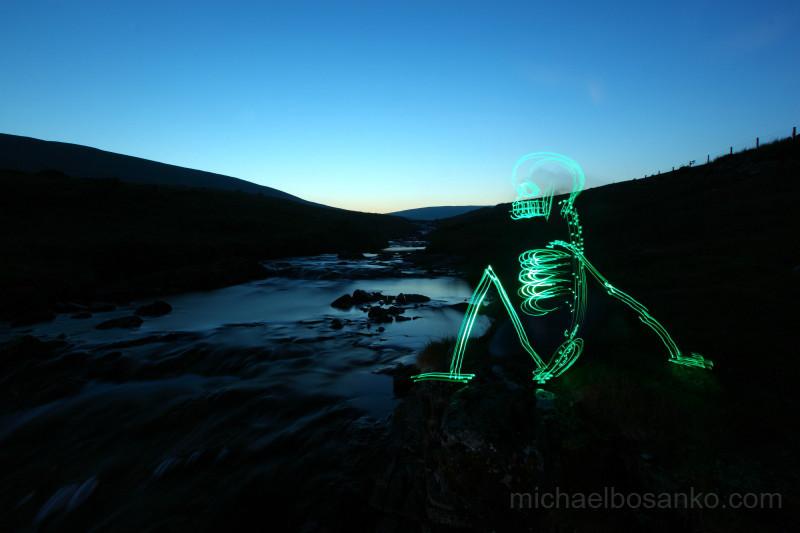 Chillin - Dem Bones