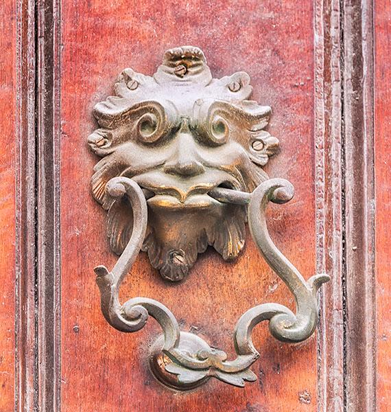 DOOR KNOCKER DETAIL - HAVANA - CUBA