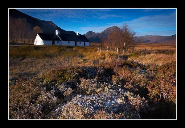 Frosty Black Rock Cottage - Mainland Scotland