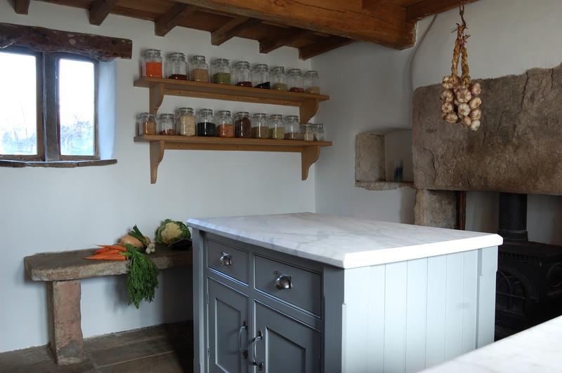 Shaker Painted Kitchens, Bespoke Painted Kitchens, English Pantry Kitchens, Handmade Painted Kitchens.