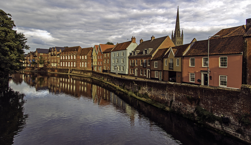 Norwich: Reflections on the Yare - The Best Images