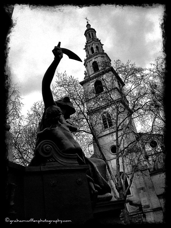 St Clement Danes B/W - Black and White