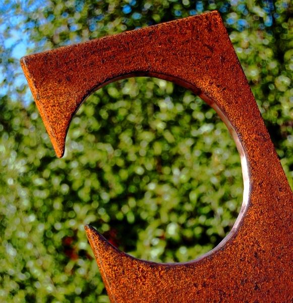 Leaner detail - Public Sculptures