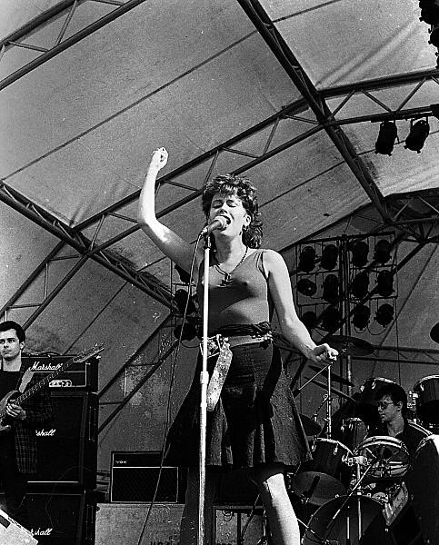Slane81-023 - 1981 concert at Slane Castle