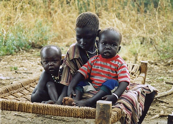 Displaced children, Sudan - Press and PR