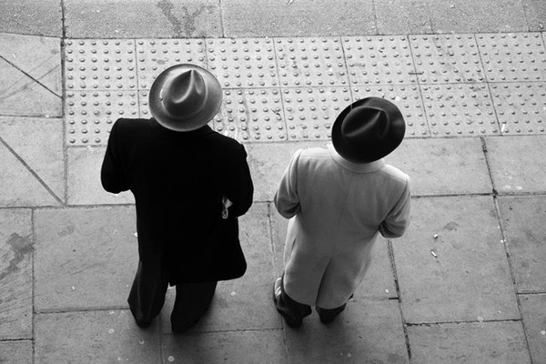 London-street-photography-hats-web - London