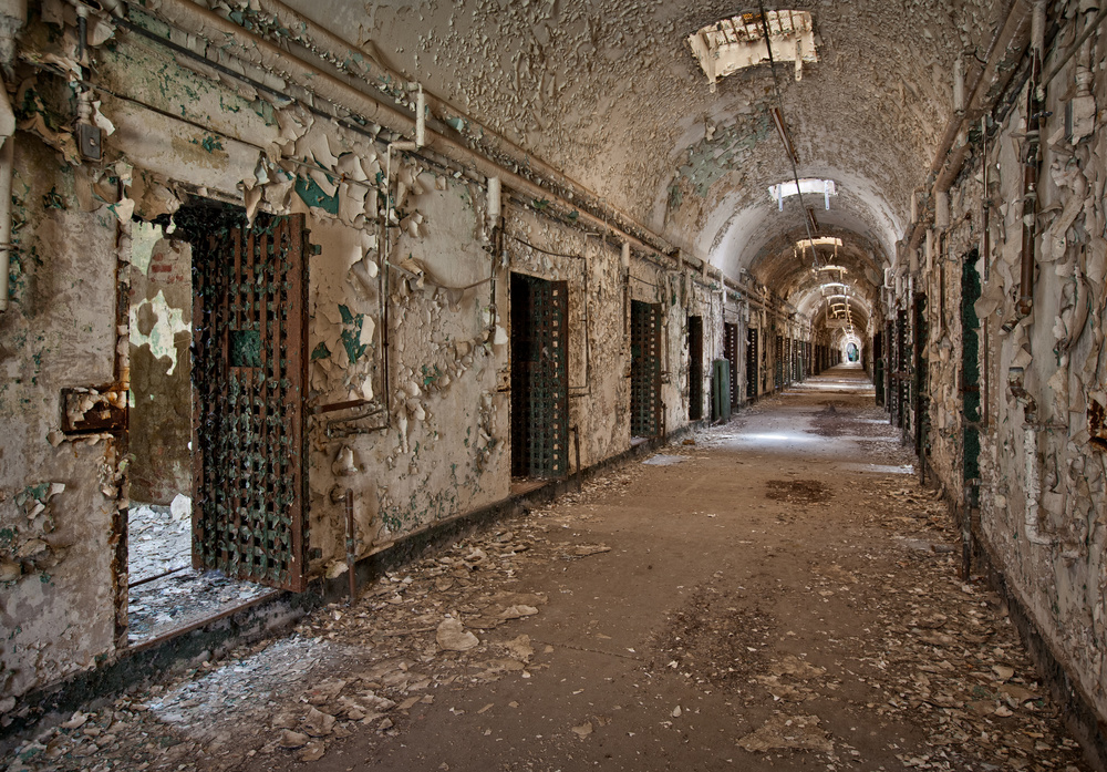 cellblock hallway holmesburg prison philadelphia pa abandoned america by matthew christopher. Black Bedroom Furniture Sets. Home Design Ideas