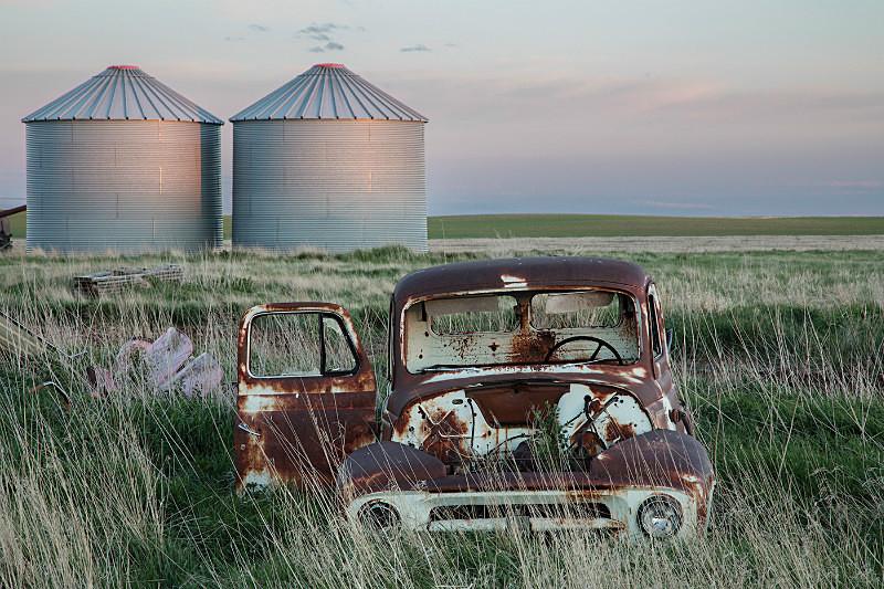Abandoned Pickup and Silo's near Plentywood MT. - Abandoned America