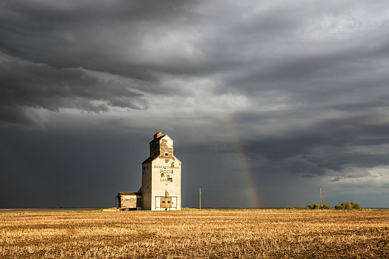 Passing storm on the High Plains, Saskatchewan. - Bad Weather