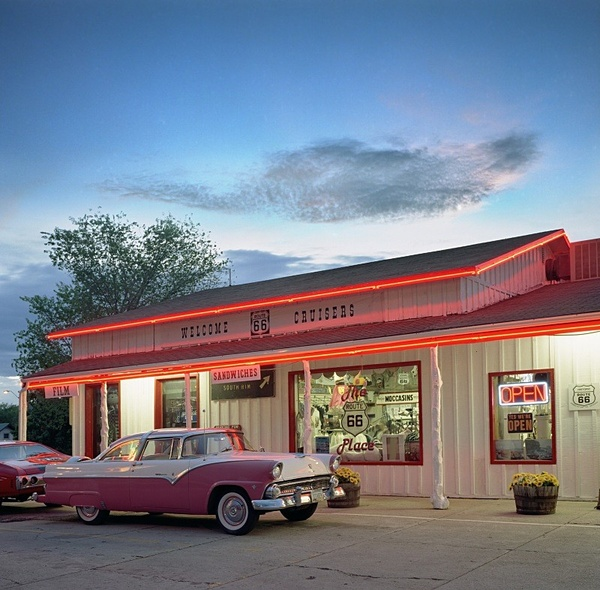 Welcome Cruisers, Route 66. - American Icons