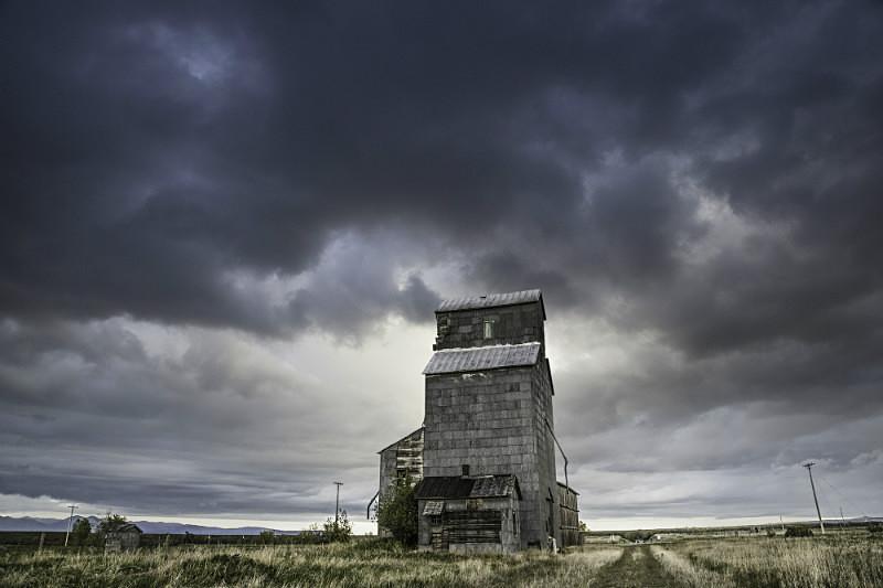 Elevator, Glengarry Montana. - Abandoned America