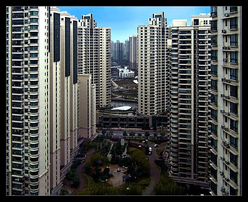 Concrete Canyon - Architecture & Buildings