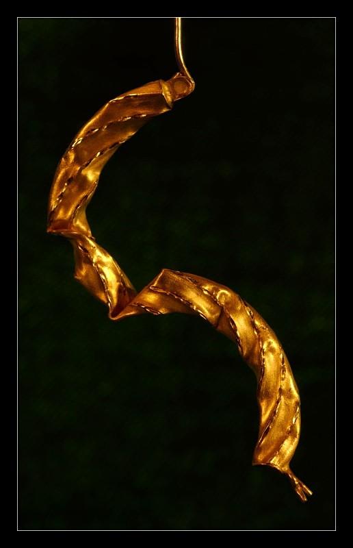Golden - Details