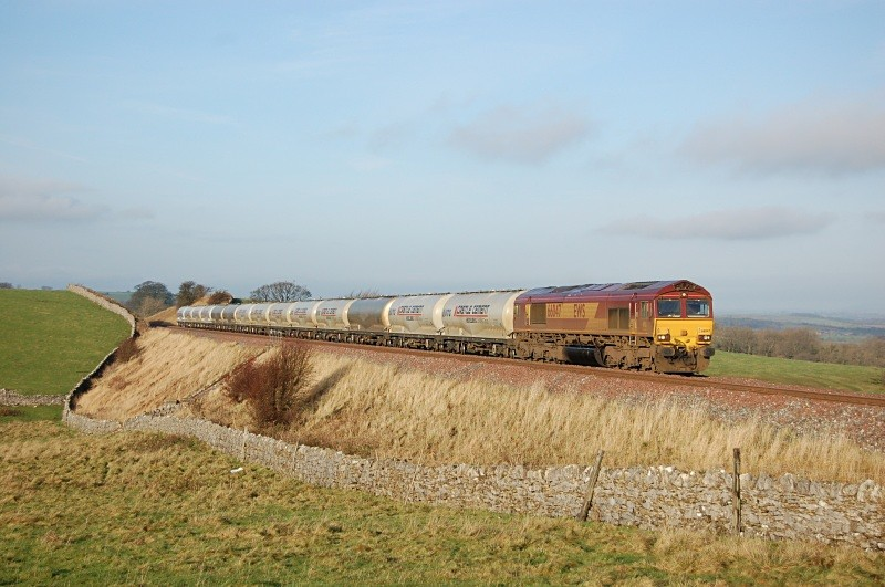 2.12.09  66047 6M00 Mossend - Clitheroe, Waitby Common - Waitby Common