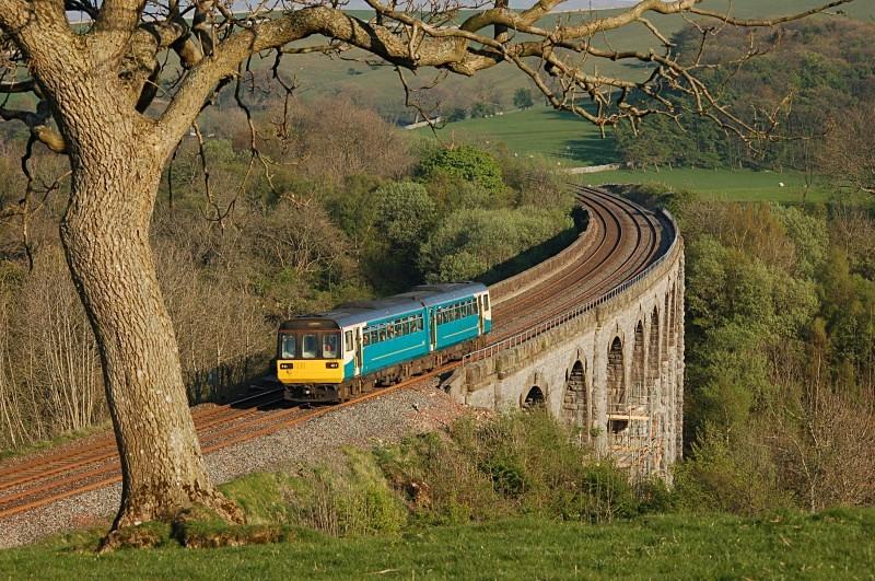 2.5.07 Unidentified 142 Leeds - Carlisle, Smardale Viaduct - Smardale viaduct