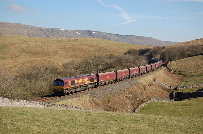 14.4.10 - 66016 4S93 Milford - Hunterston, Birkett Common - Birkett Common (northbound)