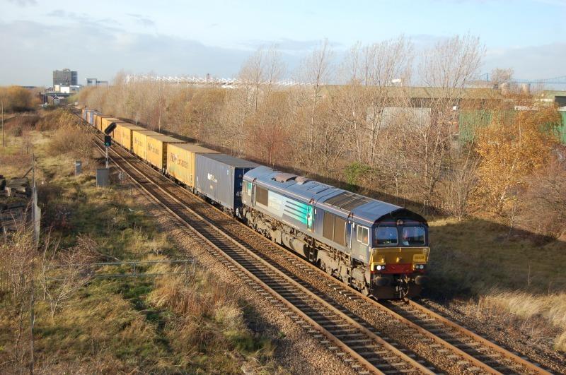 30.11.11 - 66428, 4E46 Ditton - Tees Dock, Cargo Fleet, Teesside - Teesside