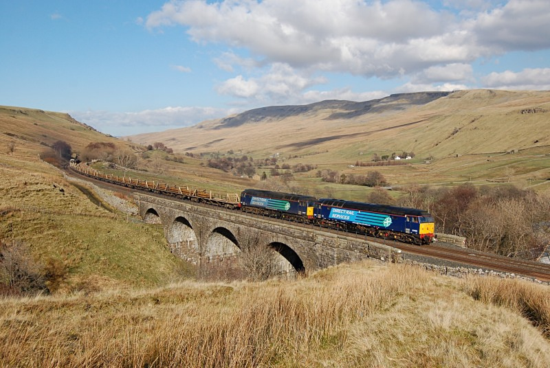 10.3.14 - 57003 & 57007 6K05 Carlisle - Crewe, Ais Gill viaduct - Ais Gill - Viaduct