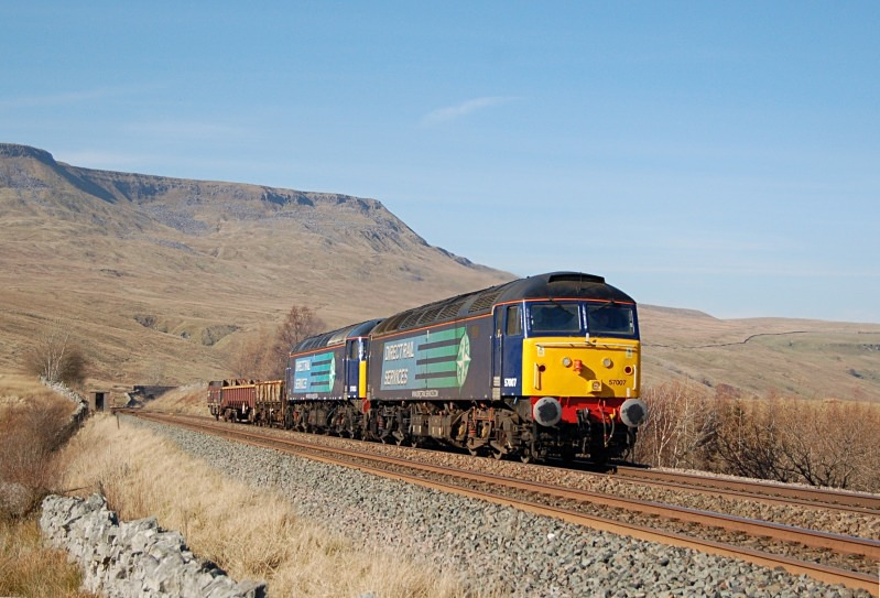 11.3.14 - 57007 & 57003 6K05 Carlisle - Crewe, Ais Gill MP260 - Ais Gill - Milepost 260