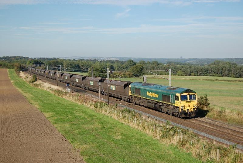 23.9.13 - 66561 6C14 North Blyth - Ratcliffe, Plasworth - East Coast Main Line