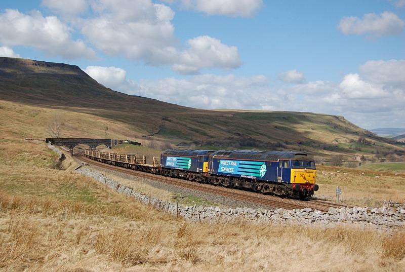 14.4.14 - 57007 & 57012 6K05 Carlisle - Crewe, Ais Gill - Ais Gill (road bridge southbound)