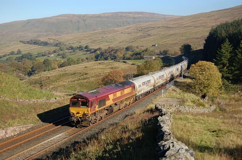 11.10.10 - 66170 6M00 Mossend - Clitheroe, Blea Moor tunnel - Blea Moor Tunnel