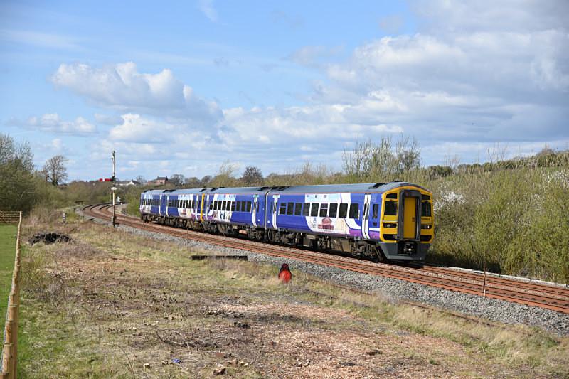 JL - 10.4.17 158905 & 158903 1404 Carlisle - Leeds, Howe & Co sidings - Howe & Co. sidings
