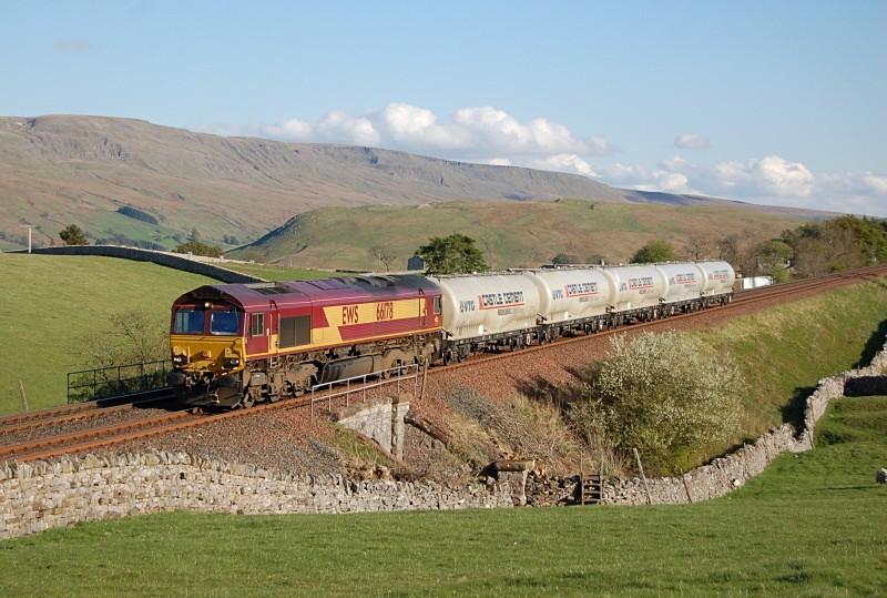 12.5.10 66178 6S00 Clitheroe - Mossend, Bull Gill - Bull Gill
