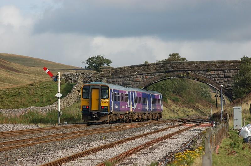 10.9.08 - 153301 & 158901 08.49 Leeds - Carlisle, Blea Moor - Blea Moor