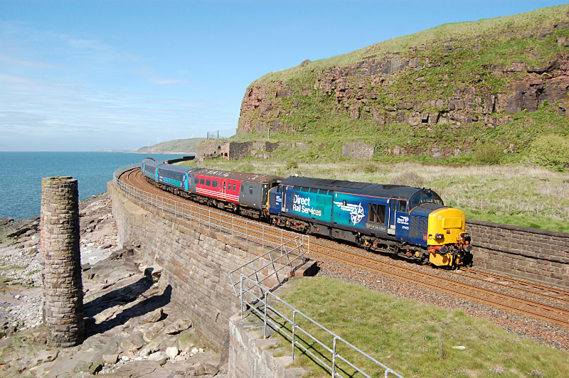 JL 23.5.15 37423 2C34 14.33 Carlisle - Barrow, Redness Point - Cumbrian Coast