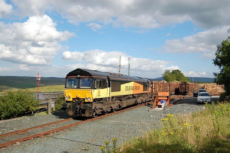 10.8.12 - 66848 6Z70 Ribblehead - Chirk, Ribblehead - Ribblehead sidings