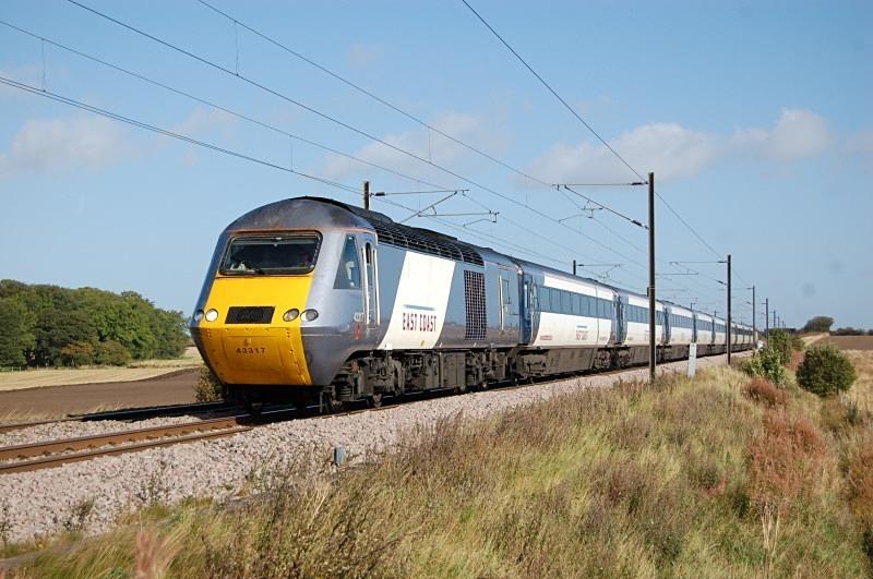 22.9.11 - 43317 & 43299, 09.30 Edinburgh - Kings Cross, Mordon - East Coast Main Line