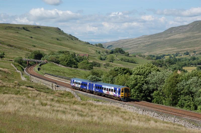 16.6.08 158905 14.49 Leeds - Carlisle Ais Gill Viaduct - Ais Gill - Viaduct